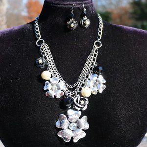 Jewelry - Boho Silver Flower Statement Necklace Earrings Set